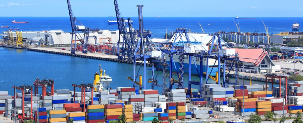 COMPANIES-THAT-IMPORT-FROM-THE-UK-MAY-FIND-IT-ADVANTAGEOUS-TO-LOCK-IN-LONG-TERM-PRICE-CONTRACTS-WITH-SUPPLIERS